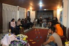 Giovani in adorazione2