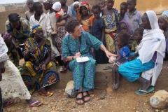 Suor-Francesca-facendo-un-censimento